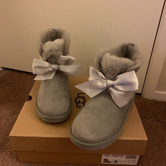 NIB UGG Gita Bow Mini Boots Women size 8 NWT
